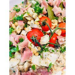 Suggestion du jour : filet mignon aux artichauts rôtis, pignons grillés et jambon cru, riz basmati