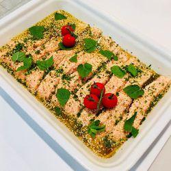 Suggestion du jour : dos de saumon sauce soja, sésame et menthe fraîche, riz basmati
