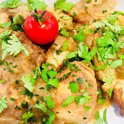 Suggestion du jour : médaillons de pintade au curry thaï, citronnelle, coriandre fraîche et riz basmati