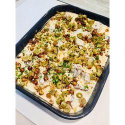 Suggestion du jour : mijoté de veau à la crème, aux olives, éclats de noisettes grillées et tagliatelles maison