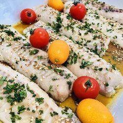 Suggestion du jour : dos de colin au citron vert, sésame, sauce soja, coriandre fraîche et riz basmati