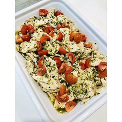 Suggestion du jour : émincé de blanc de poulet au pesto, citron vert et tomates cerise, tagliatelles maison