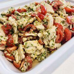 Suggestion du jour : émincé de blanc de poulet au citron vert, tomates cerise fraîches, petits légumes confits et riz basmati