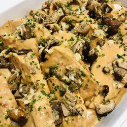 Suggestion du jour : paleron de veau confit aux champignons des bois, cuit à basse température et tagliatelles fraîches fabriquées maison