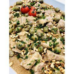 Suggestion du jour : mijoté de veau aux olives et pignons grillés, pâtes italiennes